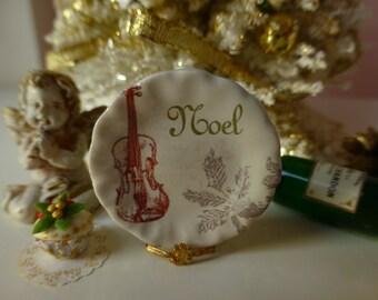 Christmas Noel Dollhouse Miniature Plate