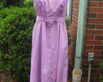 FREE SHIPPING on this Vintage 1970s Lavender Cotton Dress with Tie Back