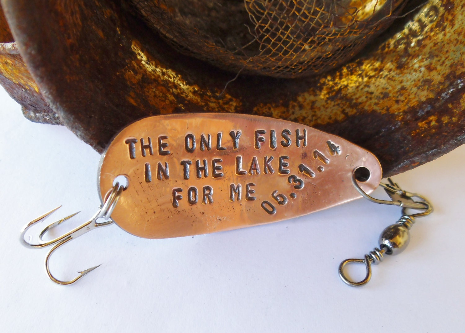 Lake fishing lure lakeside retreat mancave room decor for Fishing lure decor