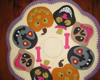 Ghouls candle mat - completed