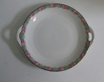Age old porcelain from Germany: magical cake plate, large plate with rose decoration. Approx. 28.5 cm. Collectors item. VINTAGE