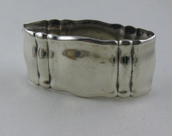 Age old, charming napkin ring made of silver (Ag 835). VINTAGE