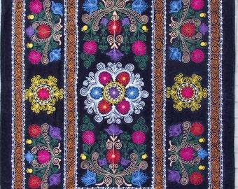 Uzbek machine embroidery suzani from Thashkent / Uzbekistan 28