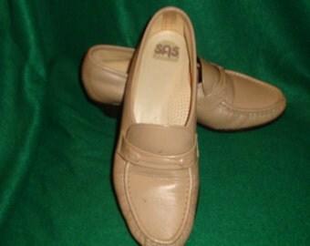 SAS  Tripad Comfort Beige Leather Heel Loafer Shoes Size 7N