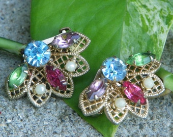 Vintage Rhinestone and Gold Tone Filigree Clip On Earrings