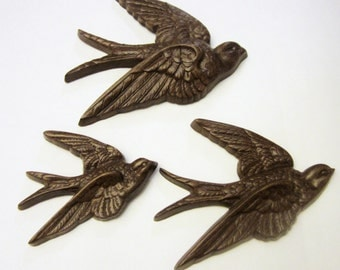 3 Vintage 1983 Wood Grain, Plastic, Faux Wooden Dark Brown Sparrow, Birds Wallhanging or Craft Supply, Embellishment