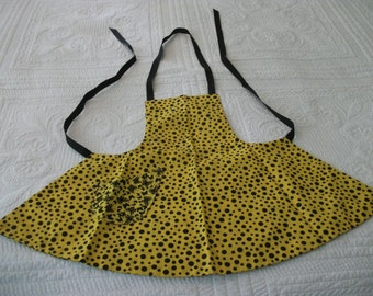 Dorothy-Child's reversible bib apron