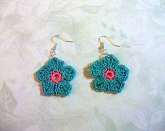 Earrings in turquoise and pink