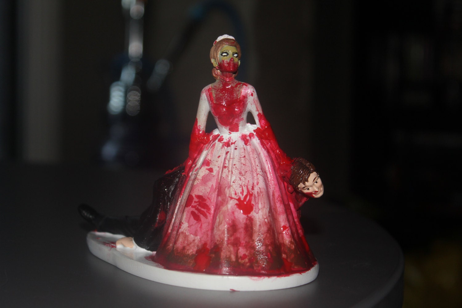 Zombie Wedding Gifts: Zombie Bride And Groom Cake Topper