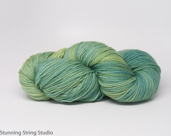 Reflecting Pool INTENSE - Stunning Superwash Fingering Weight - 100% Superwash Merino - 100 g - 475 yds