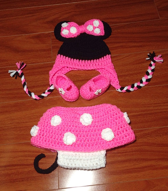 Free Crochet Pattern Minnie Mouse Diaper Cover : Newborn 0-3 Months Crochet Minnie Mouse Hat Diaper Cover ...