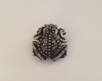 "Pewter Frog Button. 1"" (25mm)"