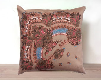 Throw Pillow Cover, Decorative pillow cover, Cushion Cover, Beige, 18'x18', Ukrainian/Russian scarf floral ornaments, Couch pillows, Cotton