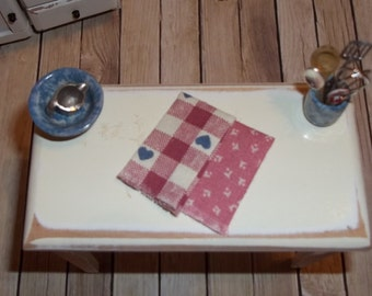 Dollhouse Miniature Dish Towels / Tea Towels / Hand Towels / Kitchen Towels
