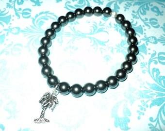 McKenzieA Black Pearl Palm Bracelet