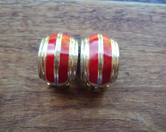 Retro goldtone and red enamel clip on earrings