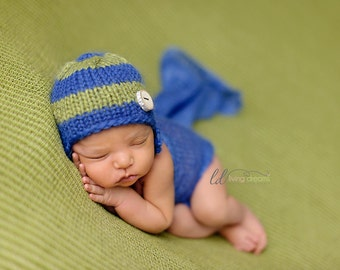 Newborn knitted beanie.. newborn hat.. newborn earflap hat... newborn photography prop... newborn knit hat
