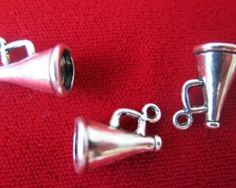 """10pc """"megaphone"""" charms in antique style silver (BC418)"""