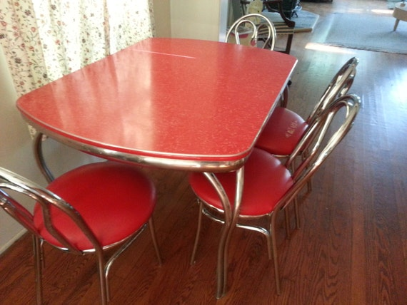Vintage red formica kitchen table and 4 matching chairs for Vintage formica table