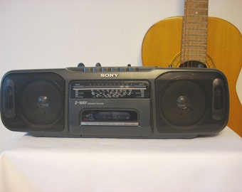vintage sony radio cassette boombox CFS-200L, 1980s
