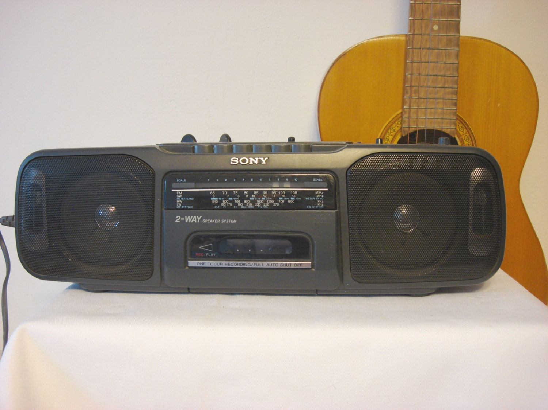 John Vassos Art Deco Radio besides Zenith Radio moreover Vintage Am Fm Radio also Antique Ge Radios YYK1OViOowfBqBu2BoU1LYSawOyxtAGzHNqOVwsTRwk moreover Radios. on transistor am radios art deco