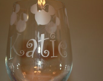 Etched 18oz wine glass