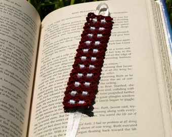 Hand Crocheted Bookmark maroon/white