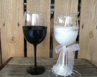 Bride and Groom wine glasses- Hand painted wine glasses