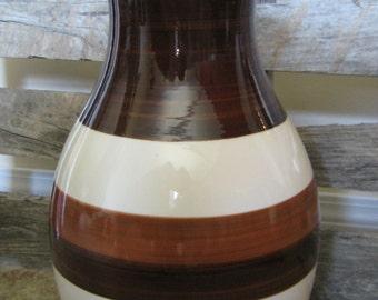 It's Vintage but Modern Ceramic Lamp