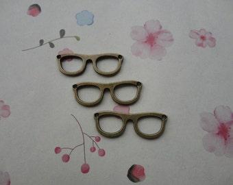 50pcs Antique Brass Metal Charms-glasses pendant--glasses charm--28X10mm--CP442