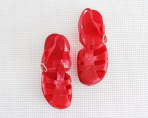 vintage red jellies / plastic children shoes / 80s children jelly shoes / kids beach sandals size 10-11
