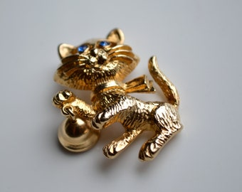 Vintage Cat with Bell Golden Pin/Brooch/ Costume Jewelry/ Halloween/ Cat Pin