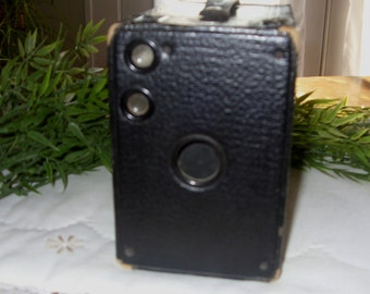 Kodak No. 2A Brownie Model B Camera, Antique Camera, Vintage Camera, Early 1900's Camera, Collectible camera, Camera Buff's Camera