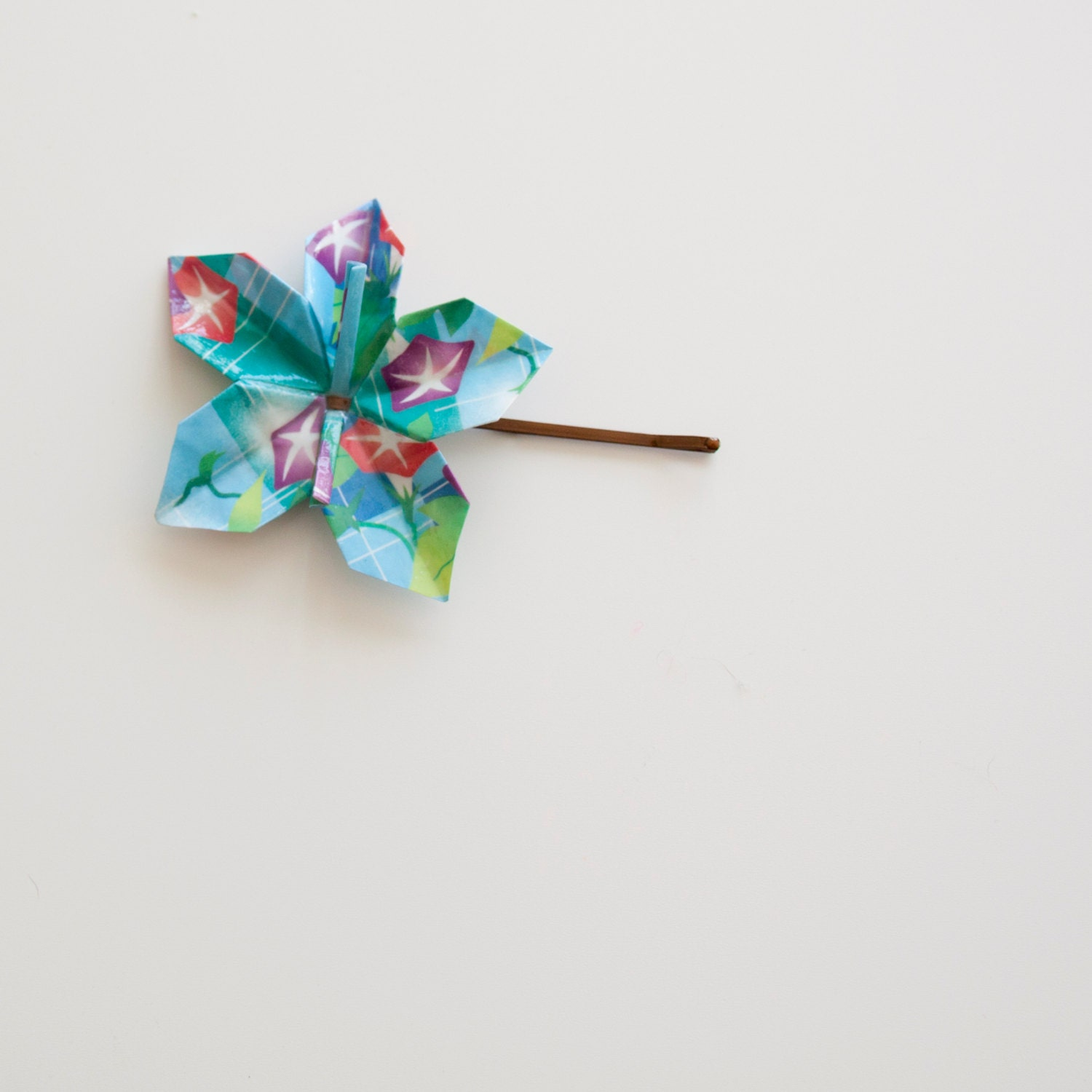 small flower paper origami hair pin blue print