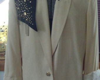Vintage 1980s Criscione of New York Cache Cream Blazer/Jacket with black collar and gold/rhinestone accents on shoulder