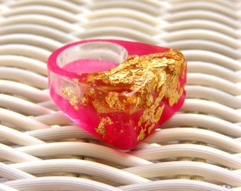 Resin Ring Raspberry Pink, Gold Leaf Ring, Spring Jewelry Fashion Trends, Hot Pink Resin Ring, Modern Jewelry, ResinHeavenUSA