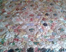 Patchwork Quilt handmade very large 2.5m x 2.28m heavy in Hexagons flower details oversized king size beddding fabric boarder dark & light