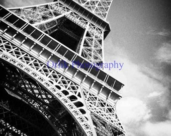 Eiffel Tower, black and white, detail 2