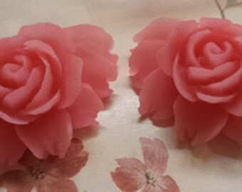 43mm x 32mm large roses resin rose flowers in matte pink 2 pc in a lot