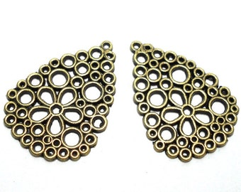 2 Teardrop Flower Charms, Hippie Charms, Daisy Charms, Large Flower Charms, Antique Bronze Decorative Teardrop, Unique Bronze Charm A-022A