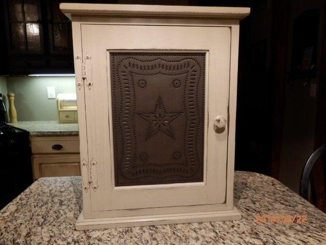 Primitive Spice Medicine Cabinet With Two Adjustable Shelf