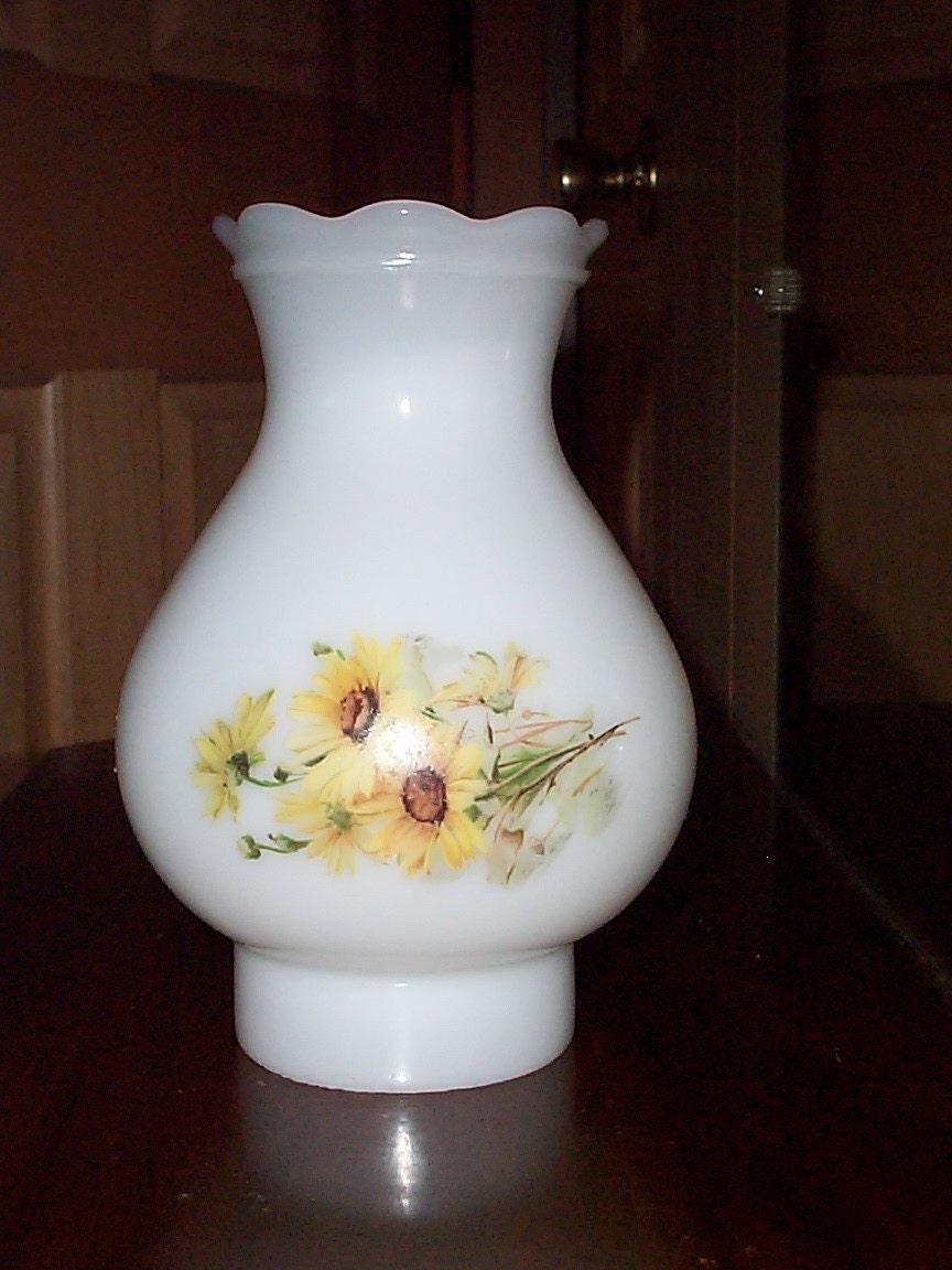 vintage milk glass replacement hurricane lamp shade or globe. Black Bedroom Furniture Sets. Home Design Ideas