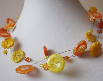 KIDS: SUNNY FLOWER, children's Necklace of vintage buttons & beads