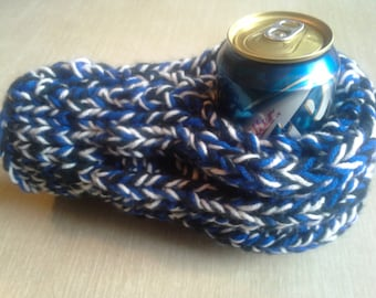 Blue, Black, and White Drink Mitten