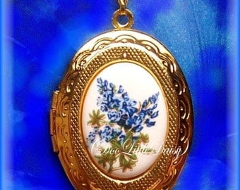 "Porcelain Little Texas State Flower BLUEBONNET Blue Bonnet Cameo Costume Jewelry Goldtone Locket Pendant Necklace Cameo w/ 18"" Chain Photos"