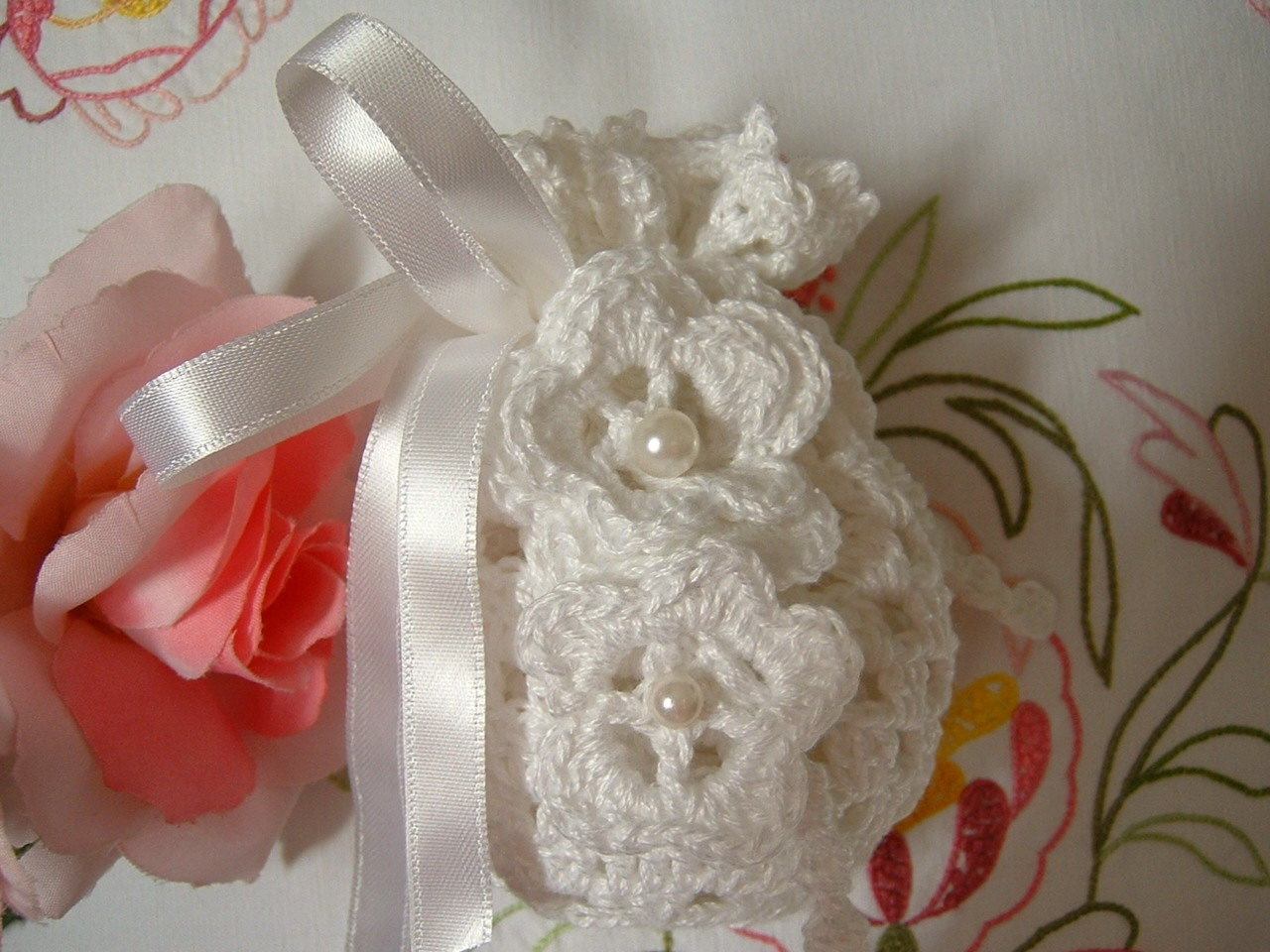 Crochet Wedding Gift: Crochet Wedding Favor Bag. White Cotton Wedding Favor