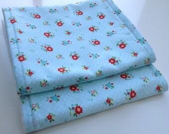 Burp cloths - Blue floral burp cloths - Modern baby burp cloths - Set of 2 burp cloths - Floral burp cloths - Baby girl burp cloths