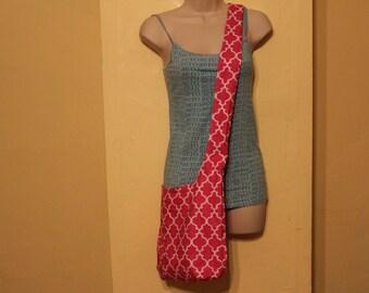 Pink diamond print/chevron cross body, reversible hobo/sling bag