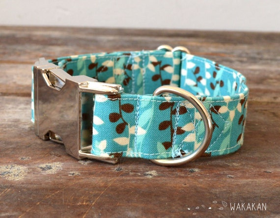 Adjustable dog collar. Leaves turquoise brown. Blue Forest. Hand made with 100% cotton fabric. Wakakan