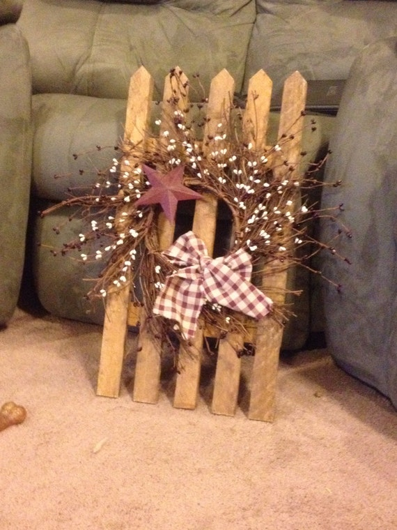 Items Similar To Primitive Wood Picket Fence With Berry Garland Spray On Etsy